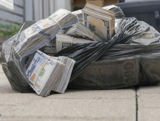 Из Азербайджана деньги вывозили мешками