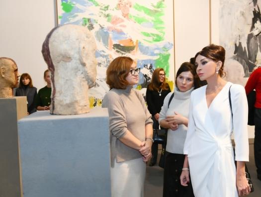 Мехрибан Алиева на Московской биеннале современного искусства