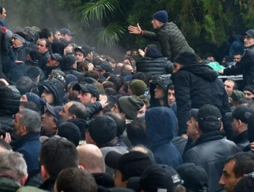 Большой переворот в маленькой Абхазии