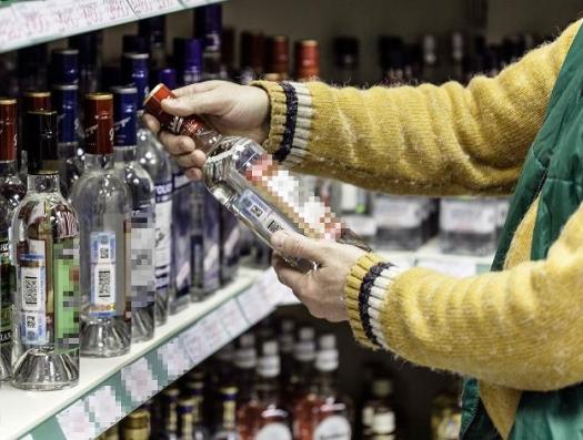 В Баку предлагают одну «паленую водку»