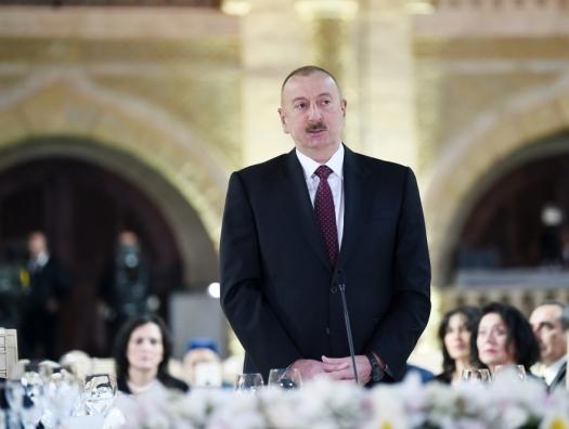 Ильхам Алиев: «Маленький ребенок шел в школу пешком из Пиршагов в Кюрдаханы. Представляете?»