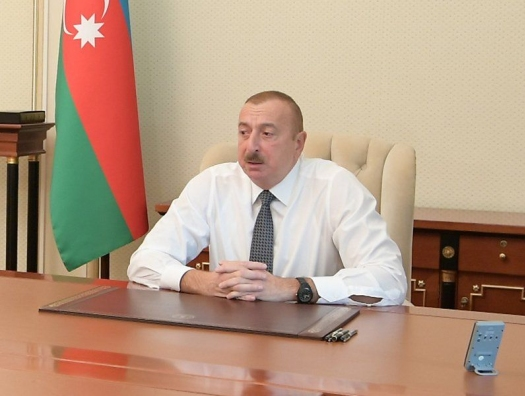 Ильхам Алиев выступил с программной статьей