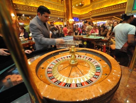 Последняя надежда умирающей страны - казино, бандиты и петро