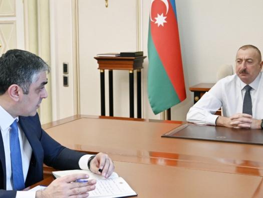 Ильхам Алиев не обошел и такси
