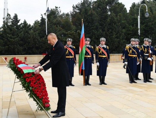 Ильхам и Мехрибан Алиевы почтили память шехидов 20 Января