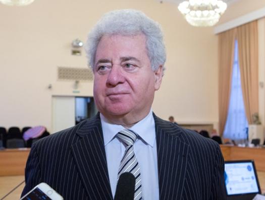 Ефим Пивоваров: «Россия не стравливает Армению и Азербайджан»