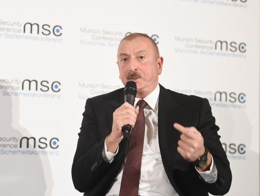 Самед Сеидов выступил со статьей: «Алиев вынудил Пашиняна признаться…»