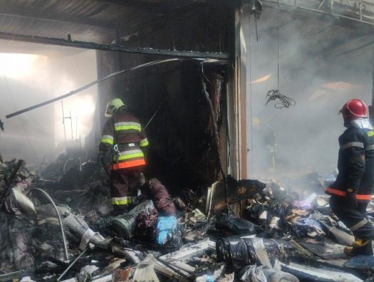 """Минздрав: при пожаре в торговом центре """"Садарак"""" пострадали восемь человек"""