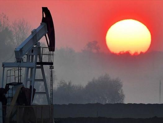 Одна нога в нефти, другая под Солнцем