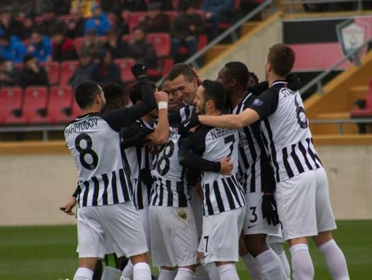 Премьер-лига: «Нефтчи» упустил победу и не приблизился к «Карабаху»