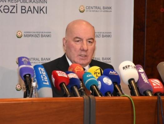Эльман Рустамов Али Асадову: «Перед банками образовались очереди»