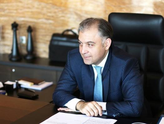 """Помощник первого вице-президента Азербайджана: """"На руках у людей есть несколько миллиардов манатов"""""""
