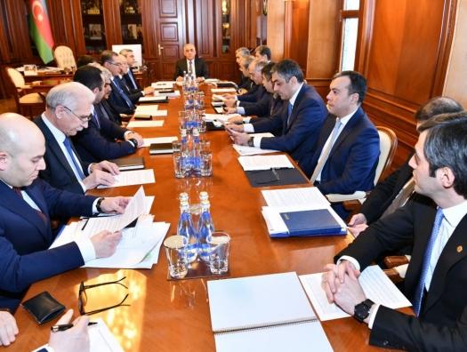 Кабмин объявил в Азербайджане карантинорежим