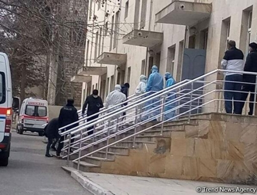В Азербайджане еще один человек умер от коронавируса. Еще 6  выявленных больных