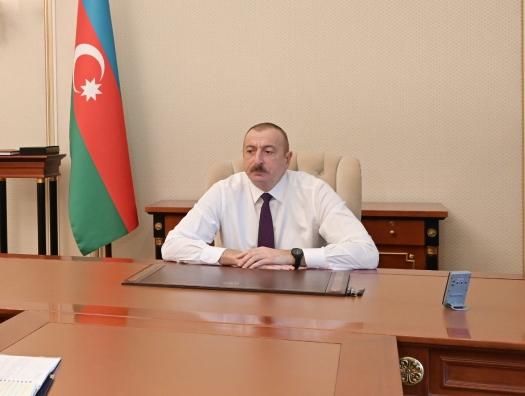 Ильхам Алиев выходит из битвы с наименьшими потерями