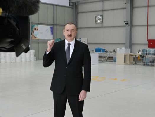 Ильхам Алиев: «Искусственное завышение цен на маски будет воспринято как предательство»