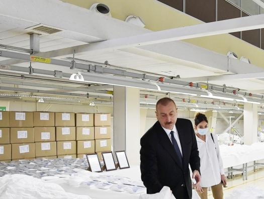 Ильхаму Алиеву надо удержать малоимущих и не потерять средний класс