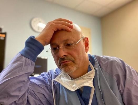 Доктор Мирер в интервью haqqin.az: «Разные симптомы - у одного кашель и понос, но он выздоравливает, у другого кашель и он умирает»