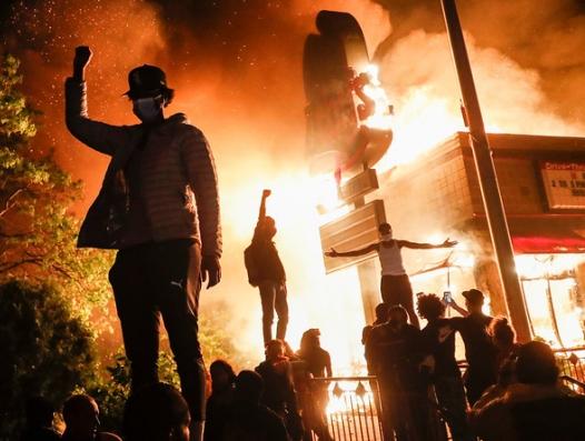 Трамп в растерянности: Америка перевернулась