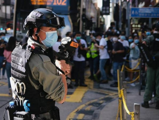 Китай взял под контроль Гонконг... и выбил американцев