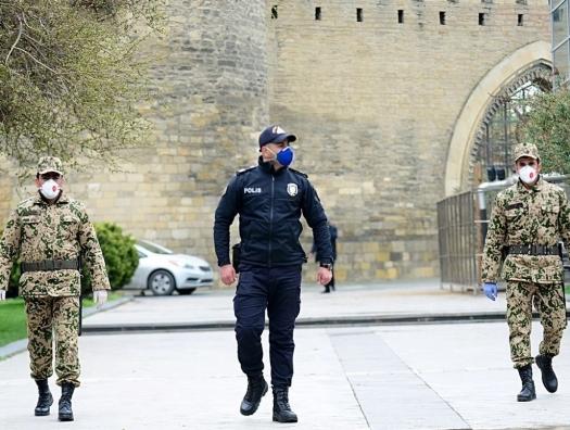 В Азербайджане продлевают и ужесточают режим карантина