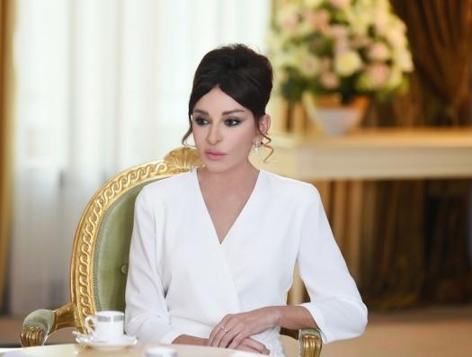 Первый вице-президент Мехрибан Алиева позвонила Бахраму Багирзаде