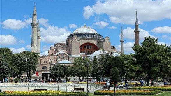 Айя-София готовится к первой за 86 лет мусульманской молитве