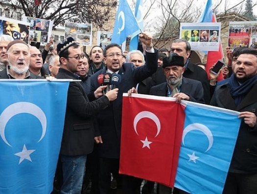 Уйгуры шантажируют Турцию и требуют исключительного положения