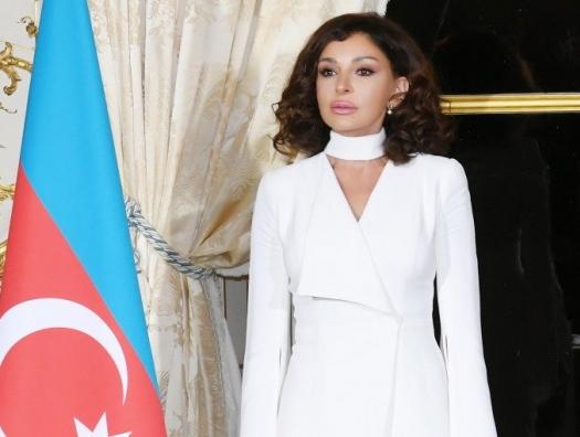 Мехрибан Алиева поздравляет с праздником Гурбан