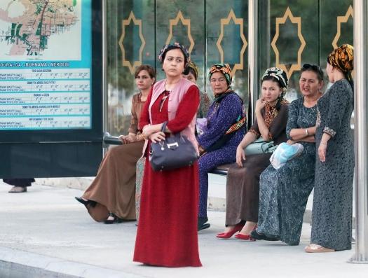 В Туркменистане доказали: коронавирус - всего лишь пыль и микроб