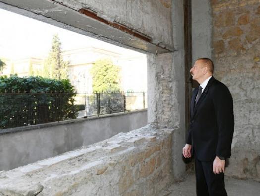 Ильхам Алиев не жалеет денег на старый Баку