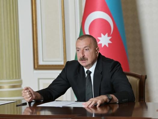 Ильхам Алиев подверг резкой критике деятельность госкомпаний