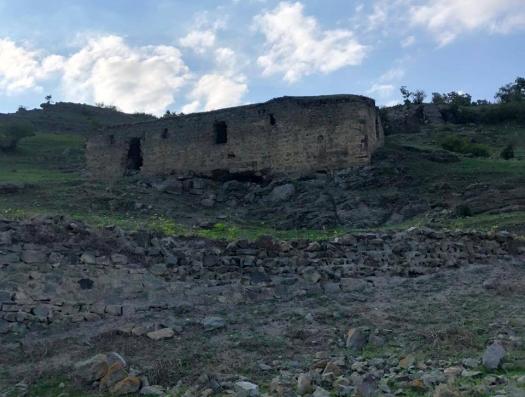 Абульфаз Гараев взирал со стороны на погибающие албанские храмы