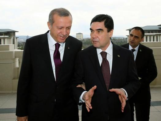 Туркменистан взял курс на военно-политический союз с Турцией