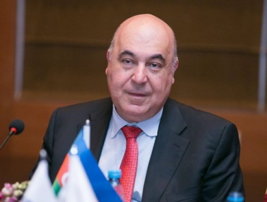 """Чингиз Абдуллаев: """"Ведь великие азербайджанцы учились на русском языке!"""""""