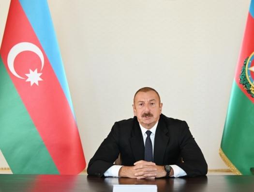 """Ильхам Алиев: """"В настоящее время азербайджанская армия наносит удары по военным позициям врага"""""""