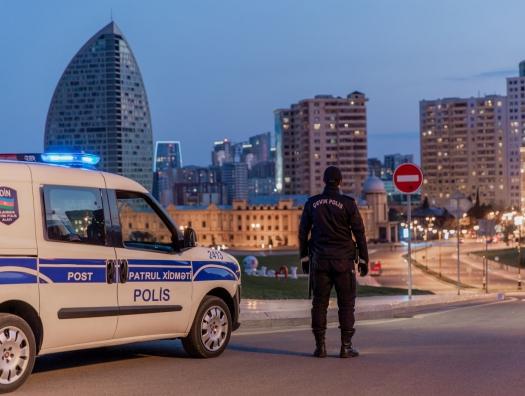 Азербайджан объявил военное положение