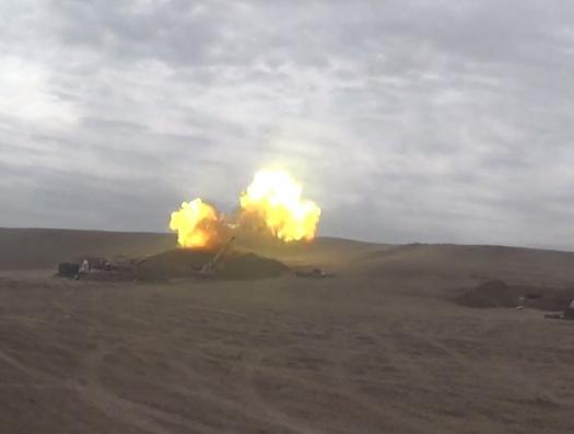Азербайджанские артиллеристы наносят сокрушительные удары по противнику