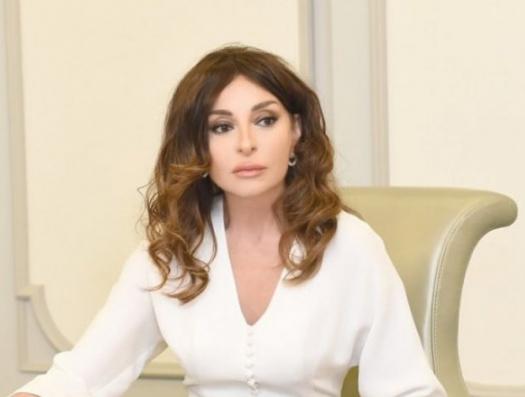 Мехрибан Алиева: «Поцеловать священную землю Карабаха!»