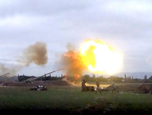 Как Азербайджан наносит артиллерийские удары по противнику