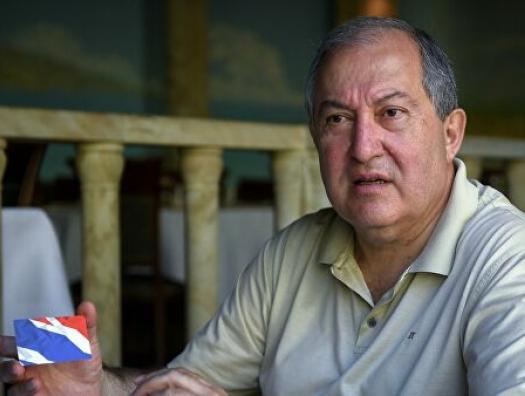 Армен и Армения умоляют о переговорах… и надеются на Иран