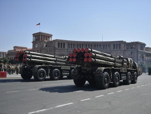 Подайте бедному армянину оружие на пропитание
