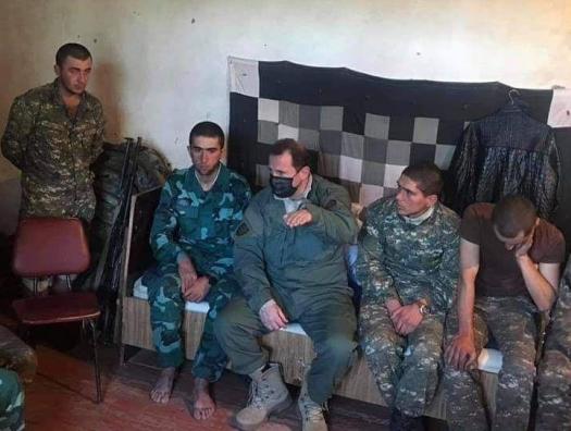 Рядом с Тонояном сидит азербайджанский пограничник... Или сирийский террорист?