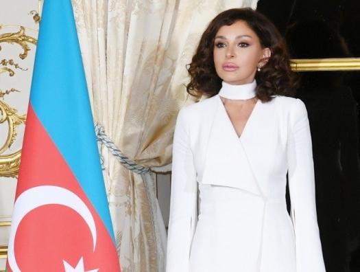 Мехрибан Алиева: Наши сердца всегда будут полны гордости за флаг Азербайджана