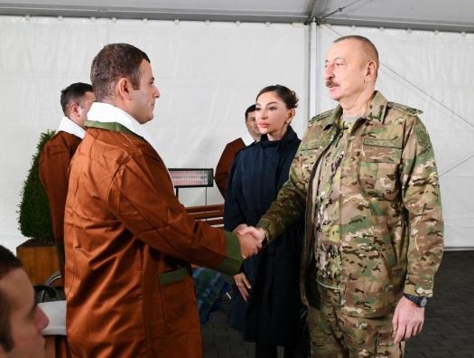 Ильхам и Мехрибан Алиевы навестили раненых военных