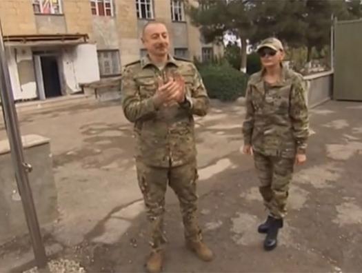 Ильхам и Мехрибан Алиевы в военной форме на передовой