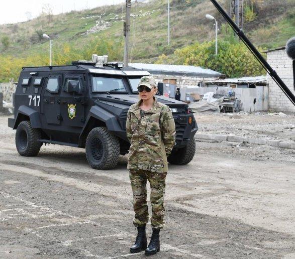 По всему периметру установлены бойницы: стало известно на какой машине ездит президент Азербайджана
