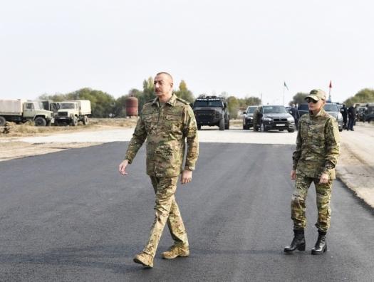 Ильхам Алиев показал оборонительные линии армян в Агдаме