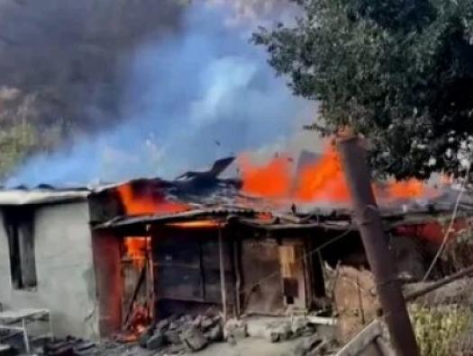 Армяне сожгли село Чарактар и покинули его. А потом оказалось, что село остается под контролем армян - карабахский казус