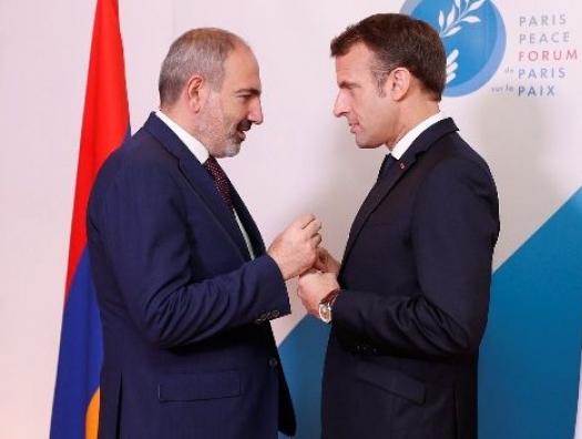 Армению подобрала Франция, чтобы снова оставить на свалке